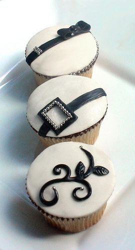 Simple and elegant cupcakes