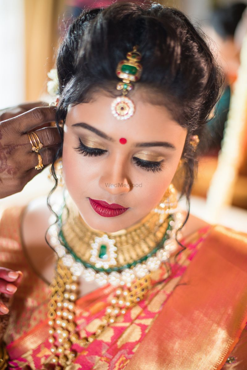 south indian bridal makeup - gold eyeshadow with marsala