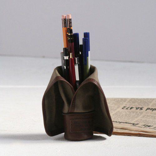 The pen case is possible to use as the penholder. 'whole grain MUSTARD PENCASE' - Matomeno