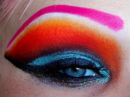 Glitter & Orange http://www.makeupbee.com/look.php?look_id=68197