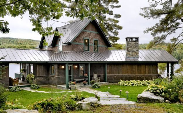 Sheet Metal Roof On A Ranch House With A Mix Of Materials Rustic Home Design Rustic House House Exterior