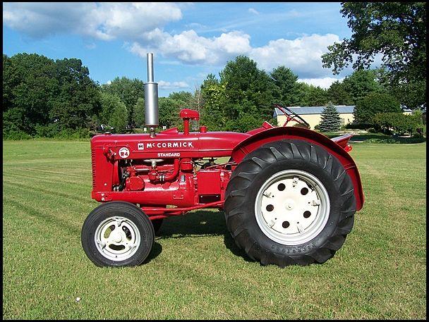 1953 farmall super w 4 mecumgf farm farmall tractors tractor pulling old tractors. Black Bedroom Furniture Sets. Home Design Ideas