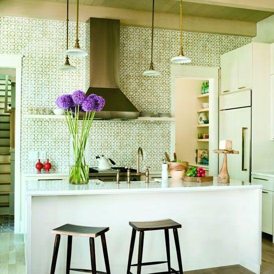 Patterns, eigentlich nicht so mein Ding, hier interessant. Gesehen bei http://www.housetohome.co.uk/room-idea/picture/kitchen-splashbacks-10-of-the-best