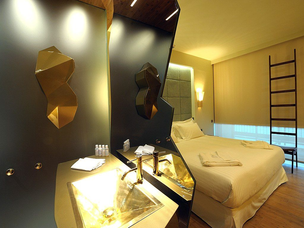 Will diana gold guestroom