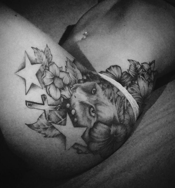 Tattoo cat star cross flower