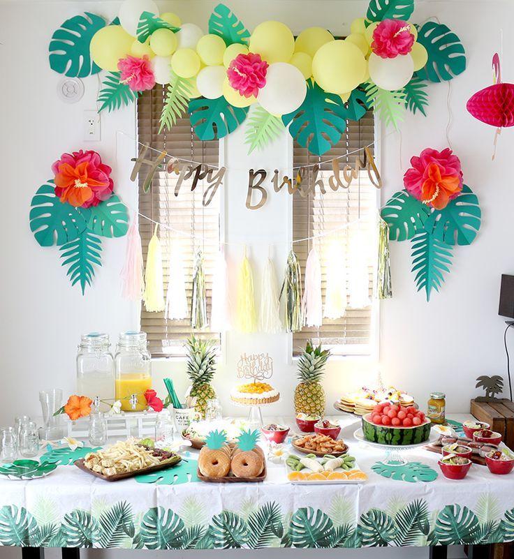 Eine tropische Geburtstagsfeier mit dem Thema Aloha Hawaiian gerichtet #aloha #geburtstagsfeier #gerichtet #hawaiian #thema #tropische #tropicalbirthdayparty