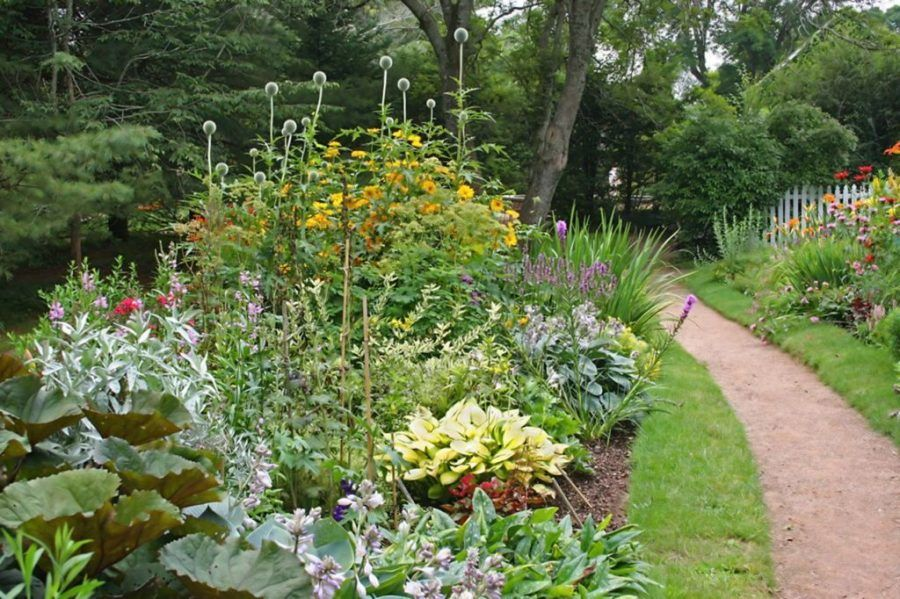 small flower bed ideas for fall