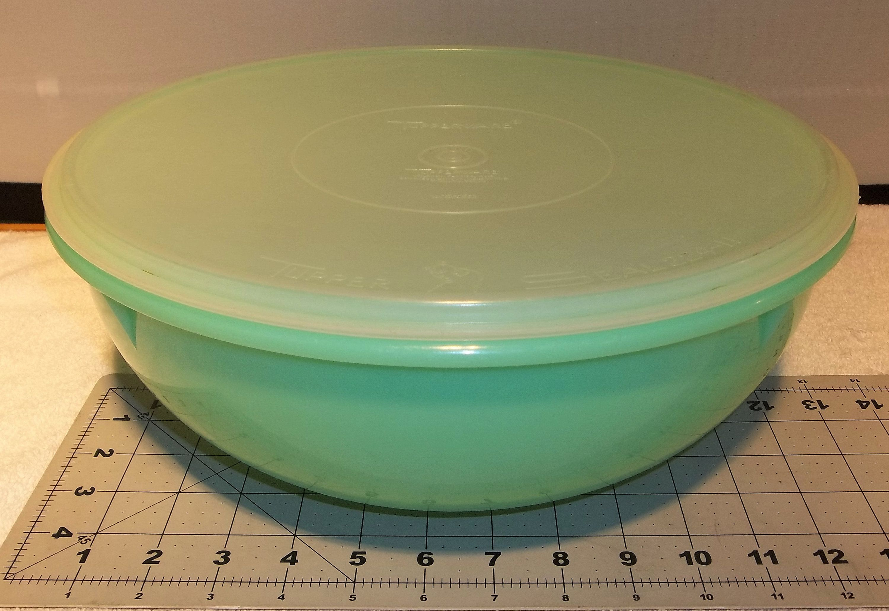 Large Vintage Tupperware Jadeite Green Fix N Mix Bowl and Lid Antique Collectible Container Retro Kitchen Ware Holiday Keeper Mixing Storage #kitchenware