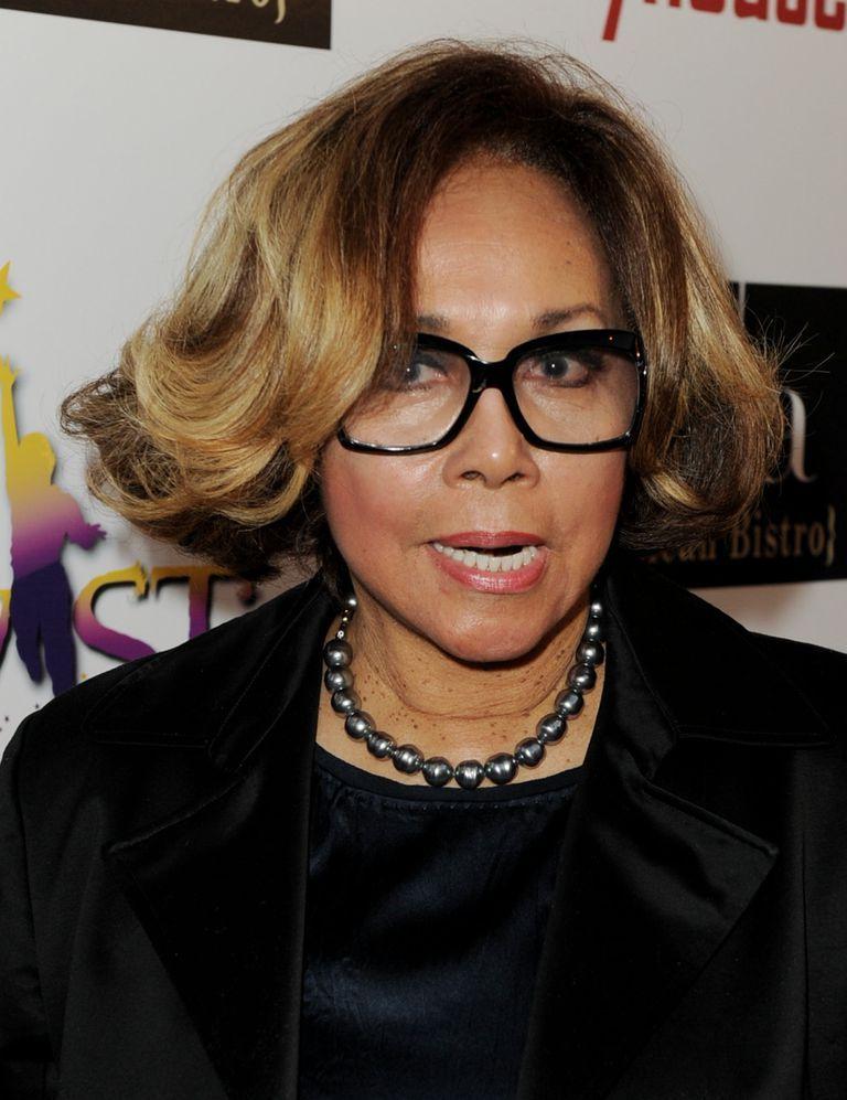 18 Tips for Picking Eyeglass Frames for Women Over Age 50 | Glass ...