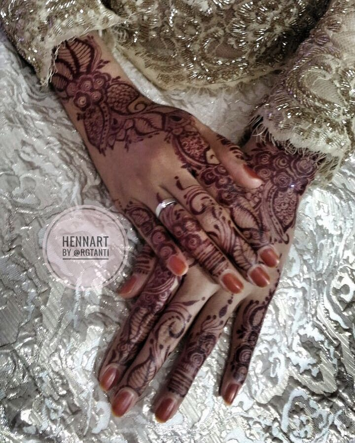 Bride Henna N Nail 04 November 2017 More Info Price List For Wedding Engagement Graduate Etc Wa 082297002676 Line Bbm IG Bellohijab