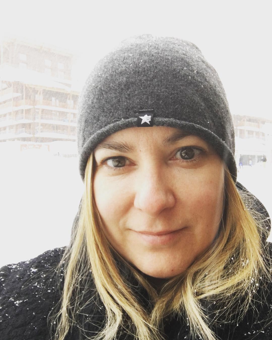 It's snowing! #france #selfie #thealps #junglistskimandem #snowboard #ski #skiingholiday #snow #holiday #travel #me #snowing #lesarcs