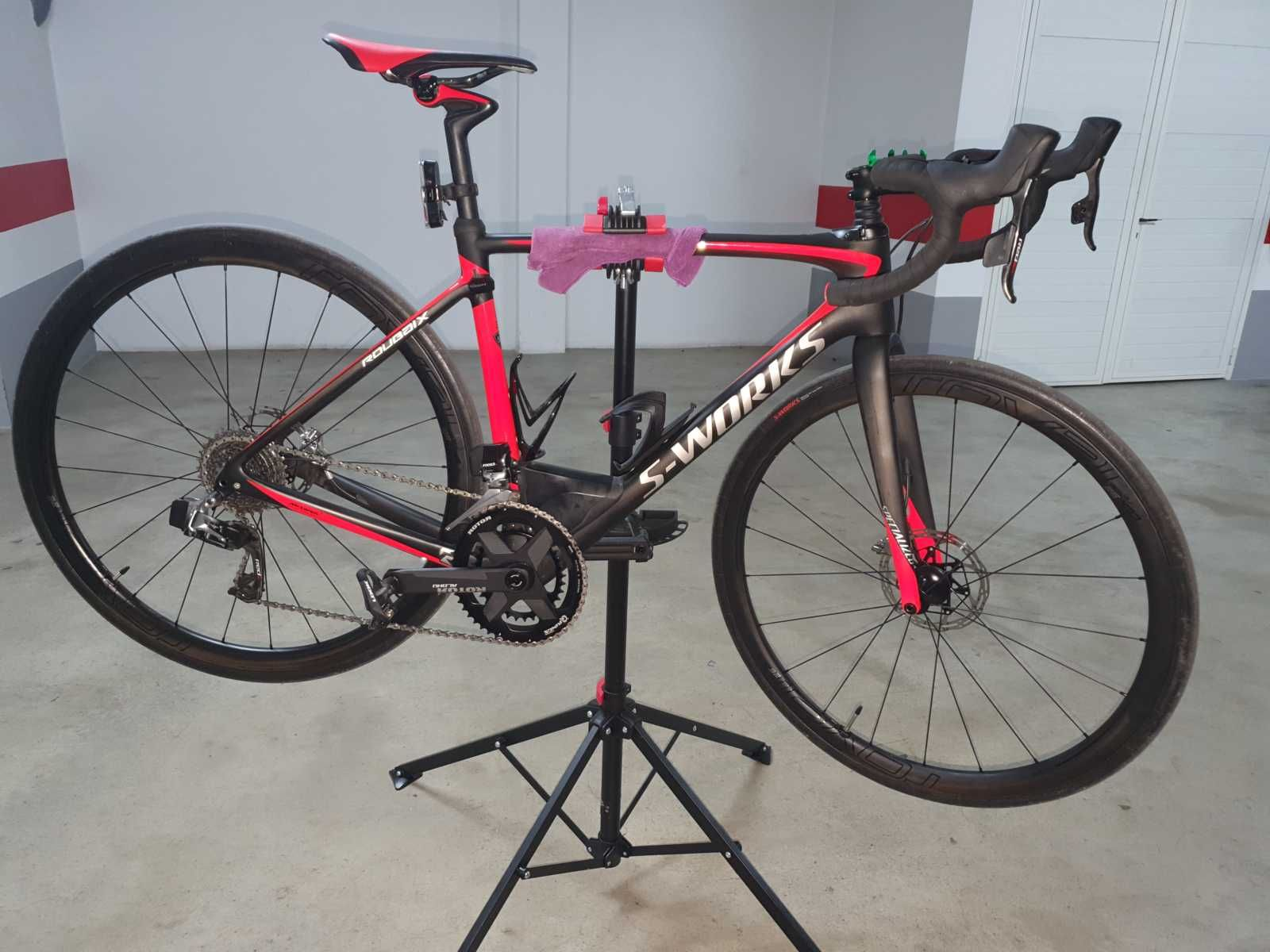 Vélo Specialized roubaix en taille 54 51314. CATÉGORIE