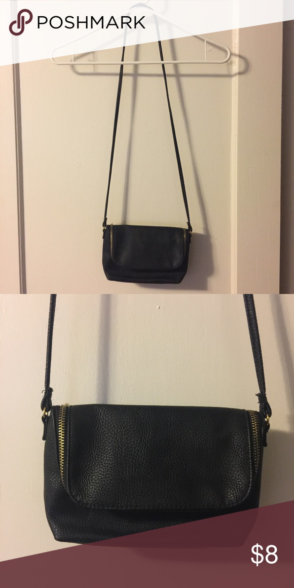 Cross-body bag Small, top zip purse. Gold zipper. Small inside pocket 712d154589