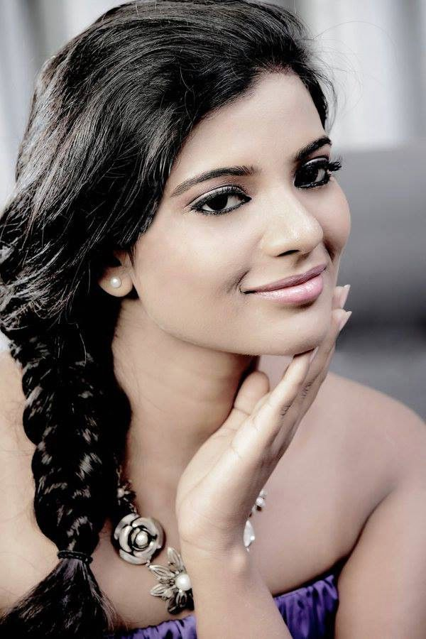aishwarya rajesh hot stills