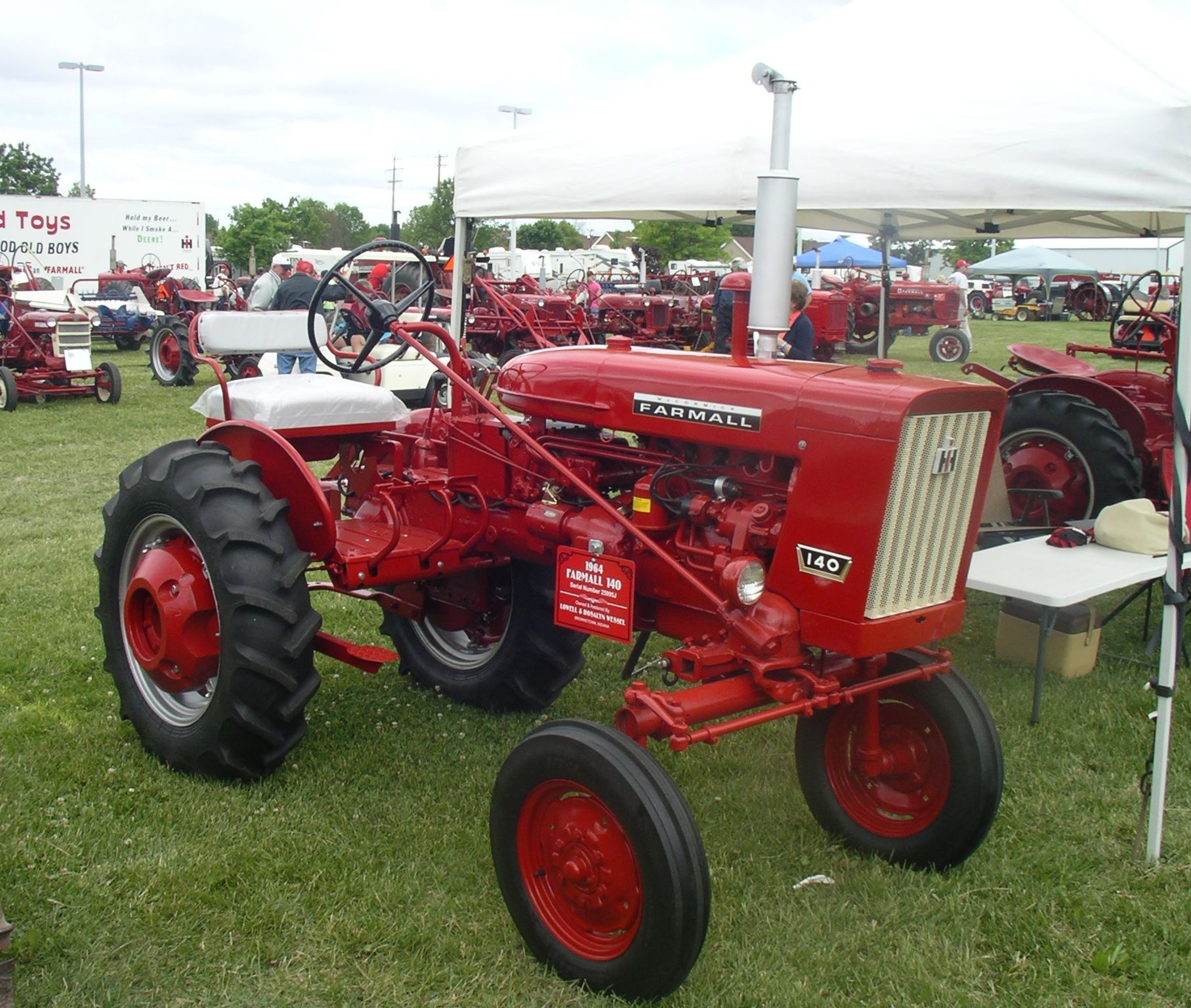 Farmall 140 Tractor : Farmall red power round up pinterest