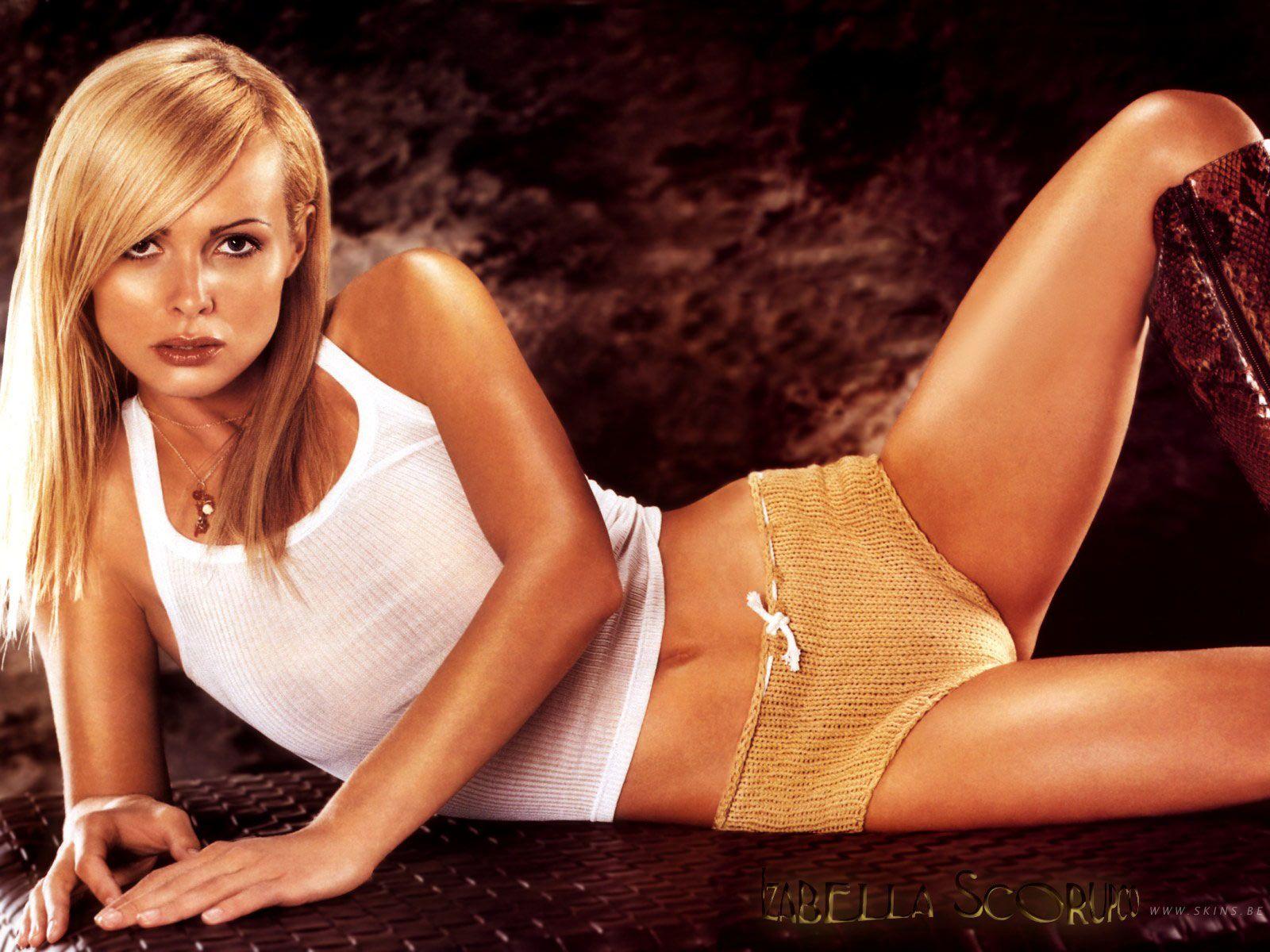 Bond Girl Izabella Scorupco   Celebrity pictures, Bond