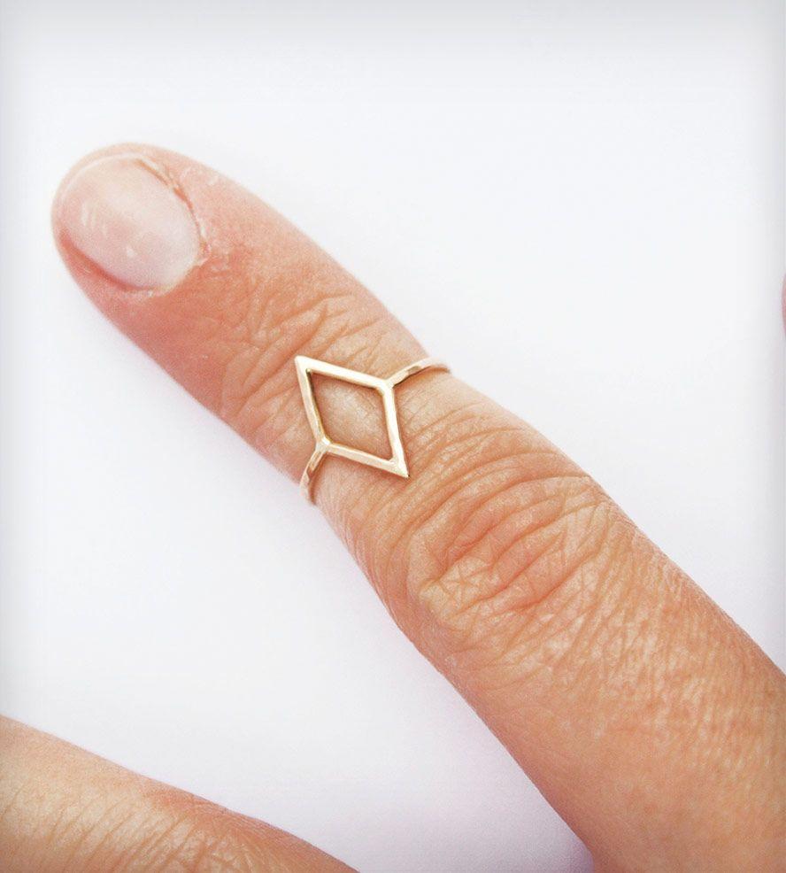 Gold-diamond-shape-knuckle-ring
