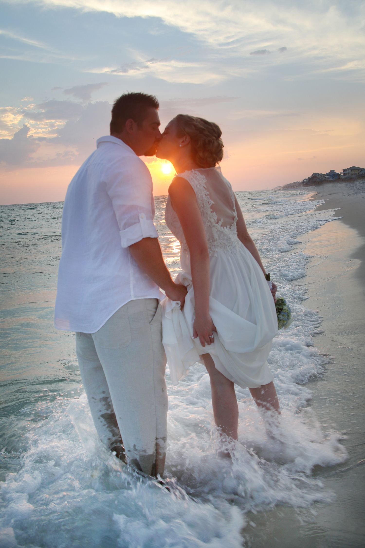 #angelafrancesphotography #beachwedding #floridawedding #destinwedding #gulfcoastwedding #NWFLBride #EmeraldCoastWedding #WaterfrontWeddings #angelafrancesphoto #gulfcoastwedding #30-A #30-AWedding #desitnsunset #destinsunsetwedding #annasveranda #rosemarybeach #rosemarybeachwedding