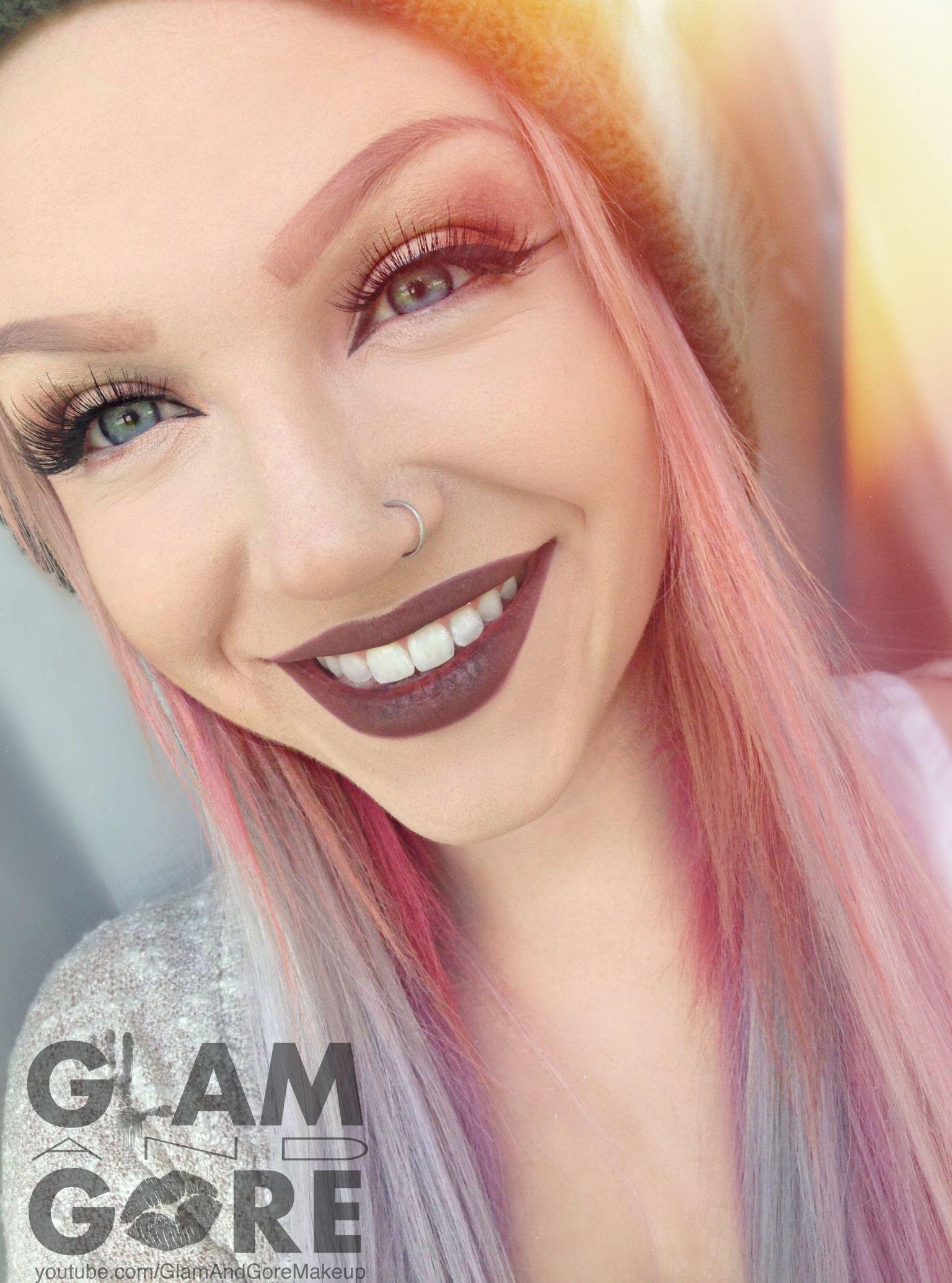 Pastel hair, pastel eye makeup... definitely not pastel