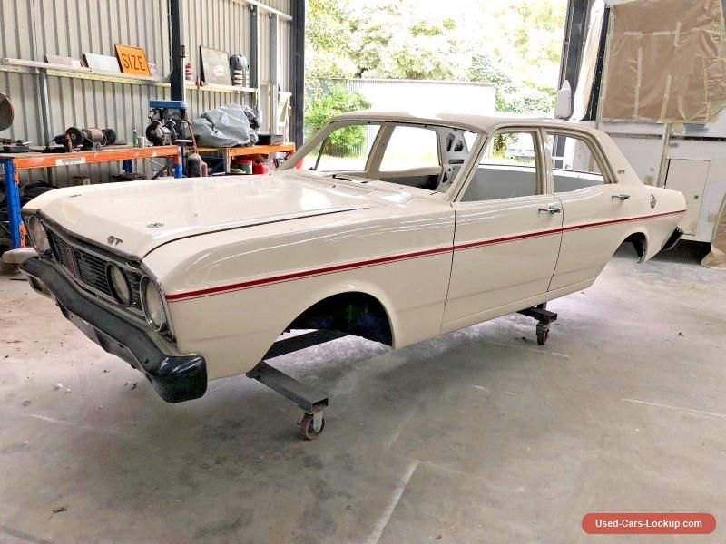 FORD FALCON XT GT TRIBUTE RACE CAR/MUSCLE CAR BODY - PROFESSIONAL ...