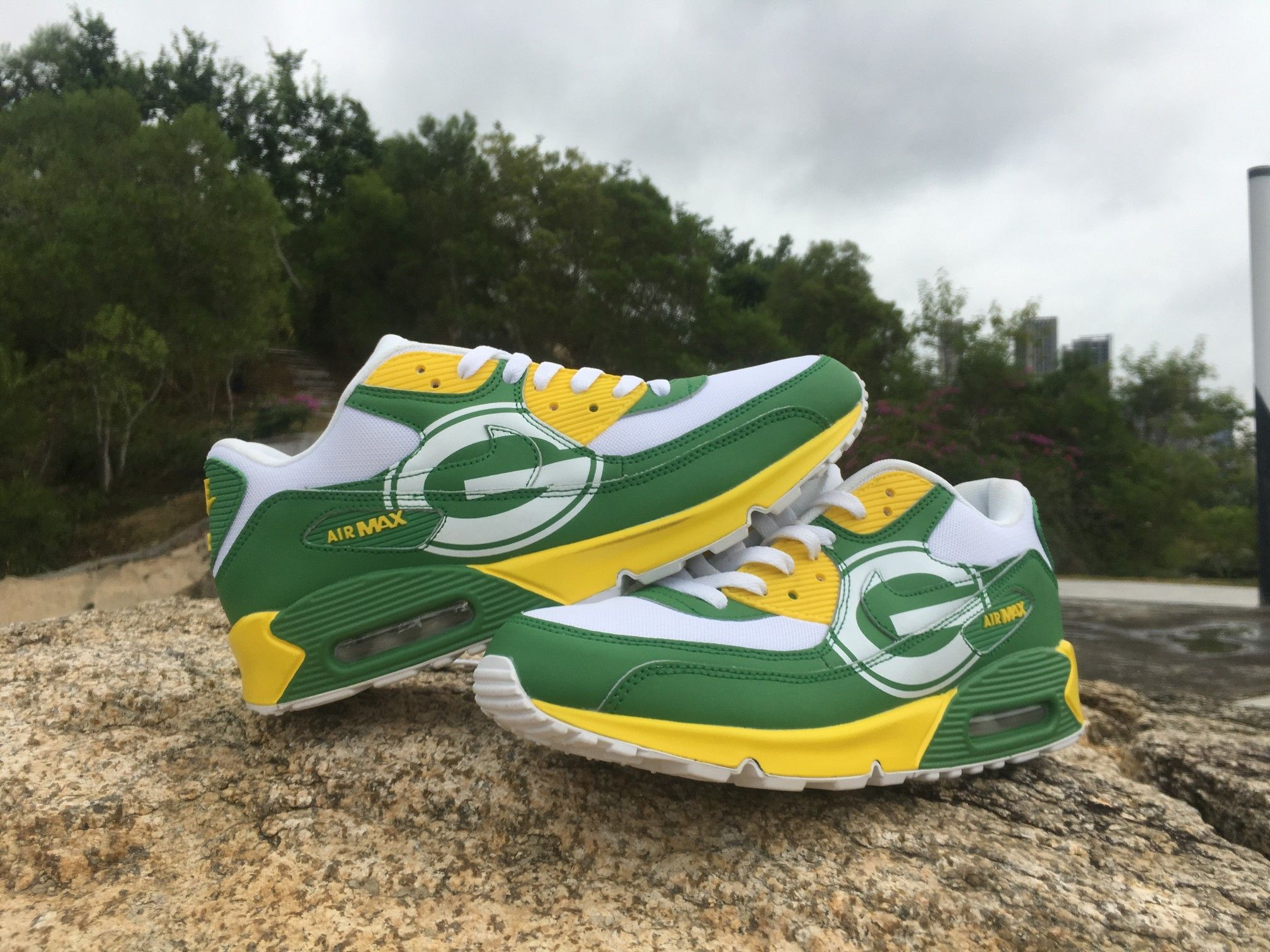 a9f23fa8123a (FREE SHIPPING) Men Green Bay Packers Custom Nike Air Max 90 Shoes Sneakers