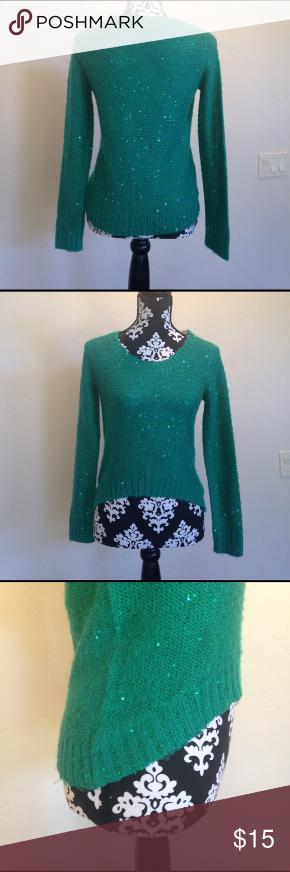 Small Green Sweater 💚🍀🌈 Ships within 24 Hours Boy meets girl Sweater high low front to back. Little fuzzing because of material, I added a few close up photos. No stains etc Boy + Girl Sweaters