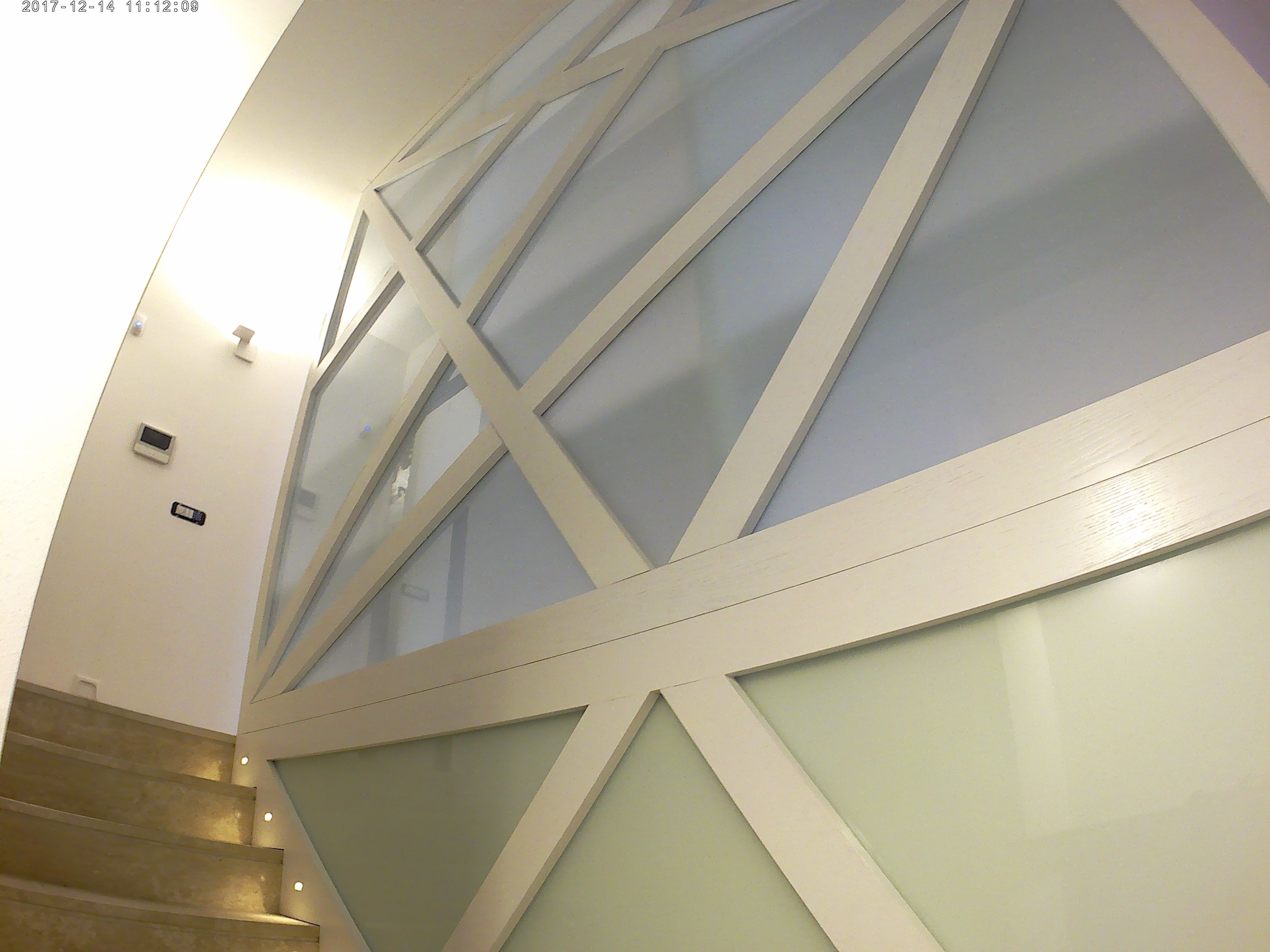 Parete Scala Interna : Parete in legno e vetro verso scala interna works fase a