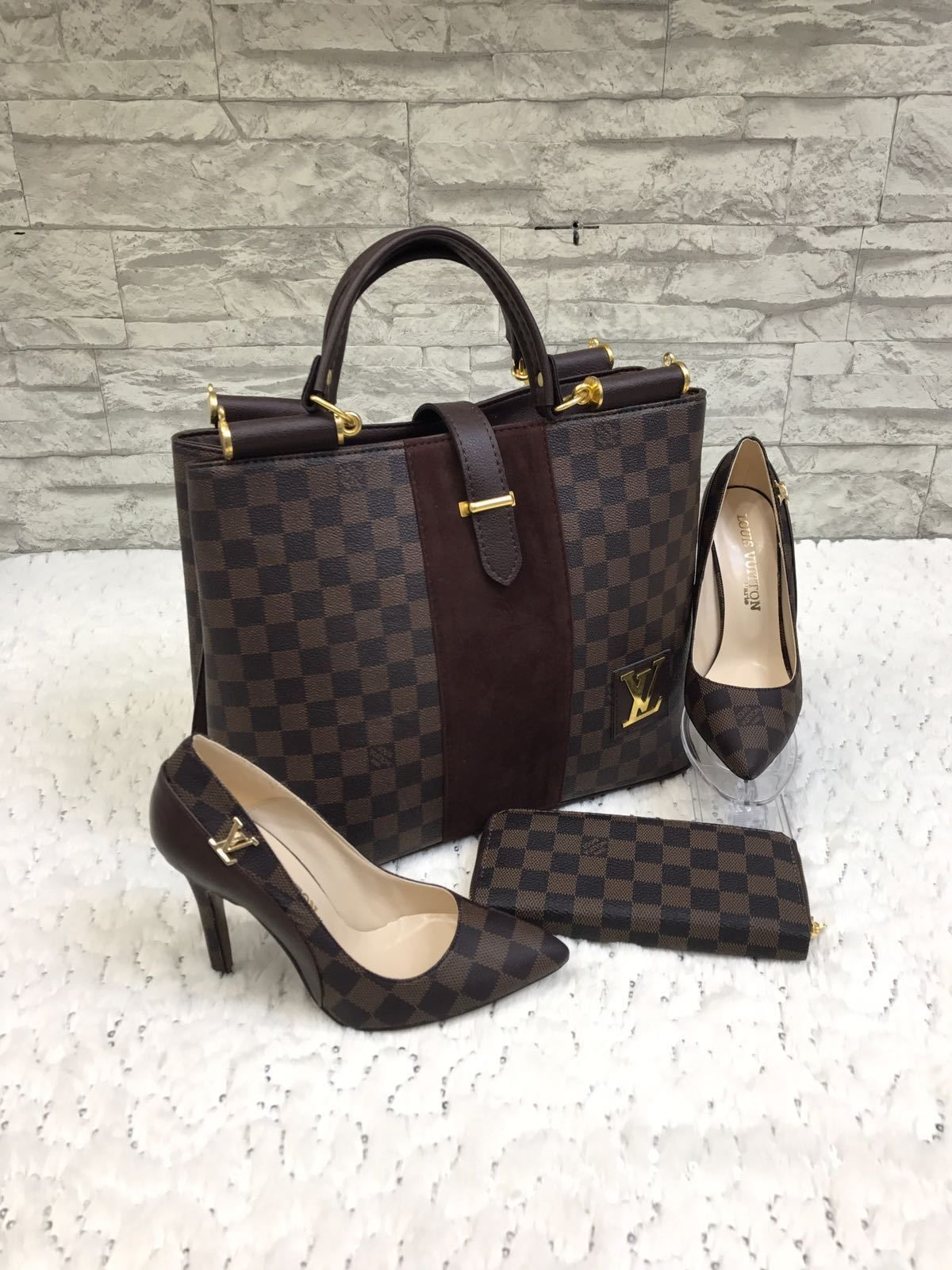8101dd199555 Free shipping 3 pieces Louis Vuitton damier handbag shoes and wallet high-quality  replica Faux Leather comes in a transparent nylon bag and white box for ...