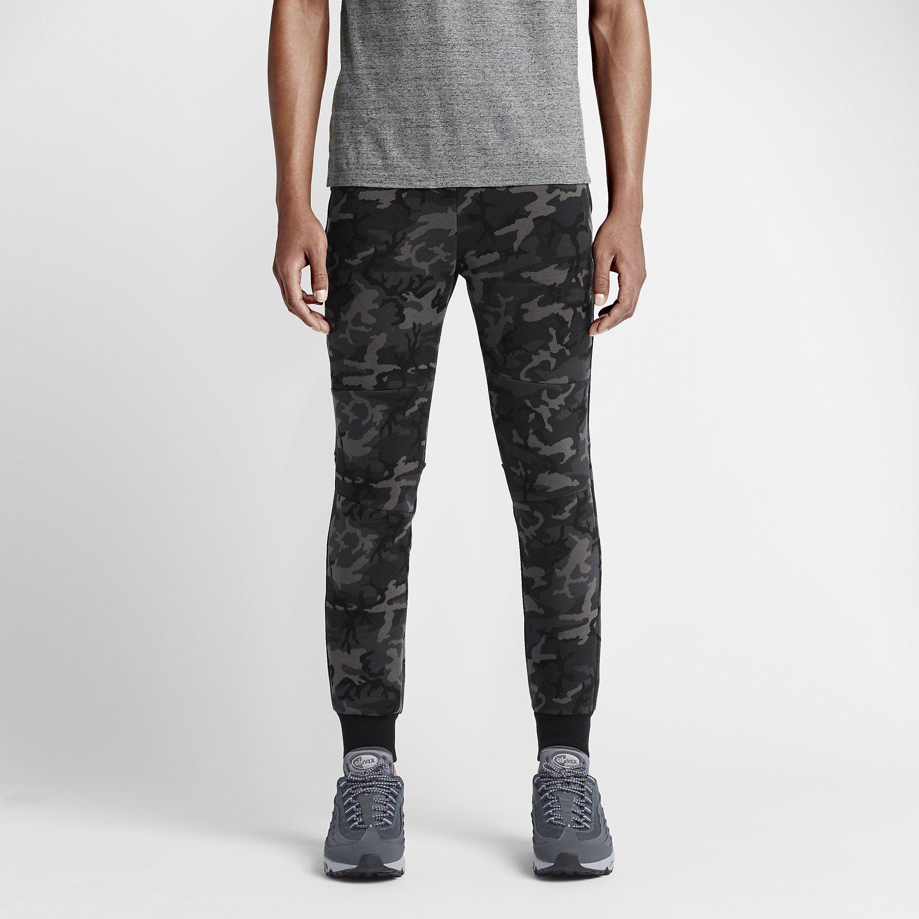 Nike Tech Fleece Camo Nike tech fleece, Camo men, Tech