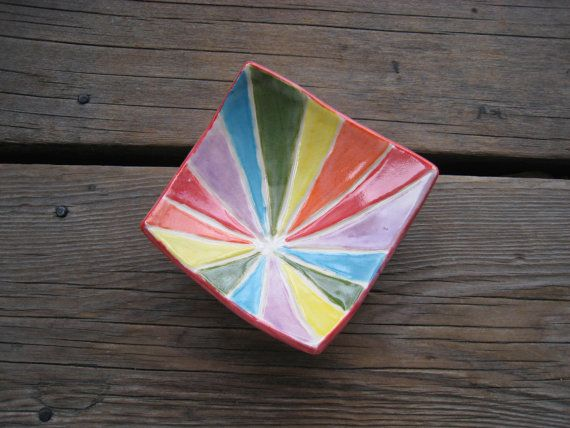 Etsy listing at https://www.etsy.com/uk/listing/224919986/rainbow-jewelry-dish-ceramics-and