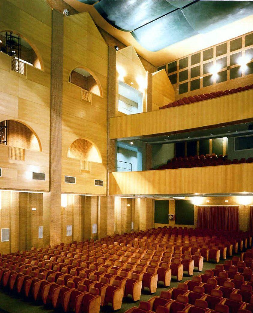 Casa de cultura y teatro buero vallejo ruiz albusac arquitectos alcorc n madrid dotacional - Teatro en alcorcon ...