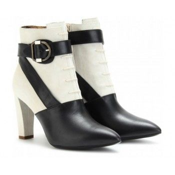 Balenciaga Leather Lace-Up Ankle Boots
