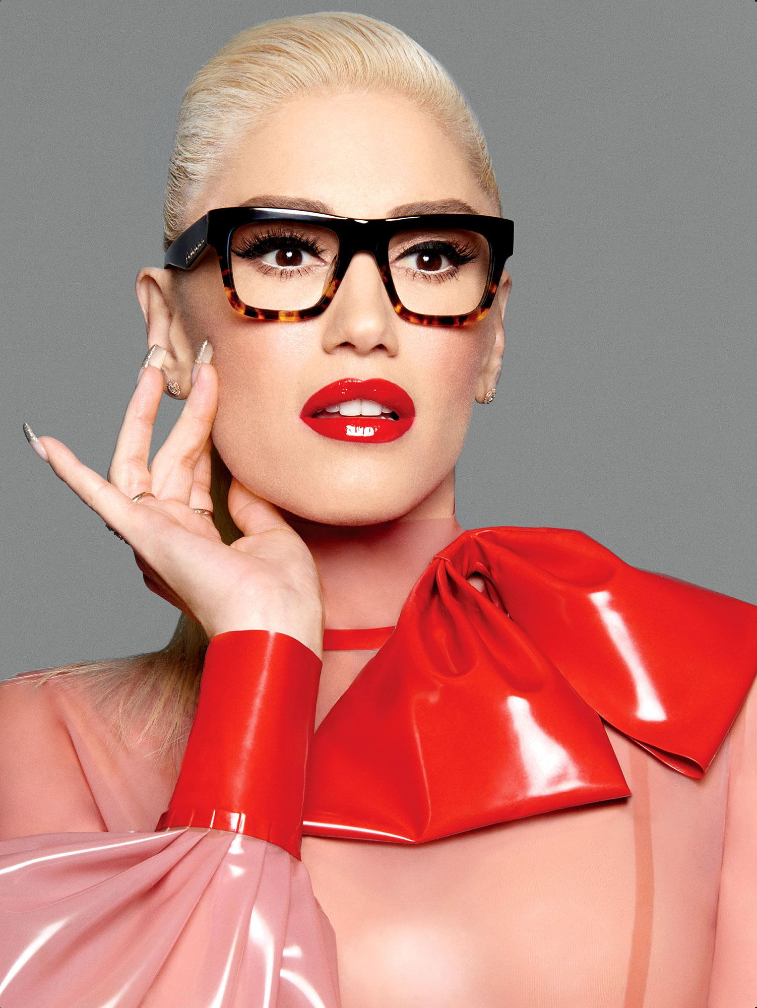 Gwen Stefani\'s Says Her Eyeglasses Will Make You Look \