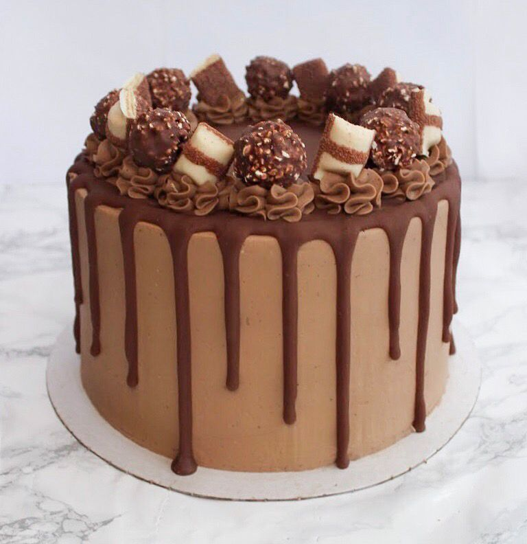 If National Chocolate Cake Day Isn T The Best Day Of The Year I Don T Kn Chocolate Cake Decoration Chocolate Birthday Cake Decoration Buttercream Cake Designs