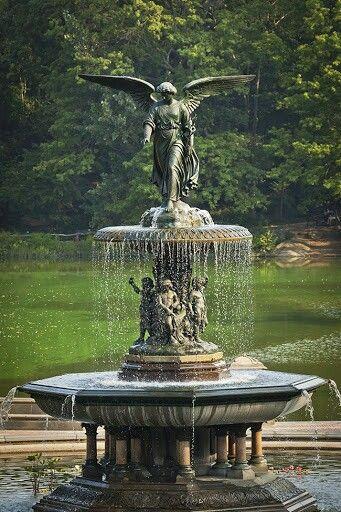 Fuente De Agua Alada Ideas Pinterest Agua Piscina Jardin Y - Fuentes-ornamentales-para-jardin