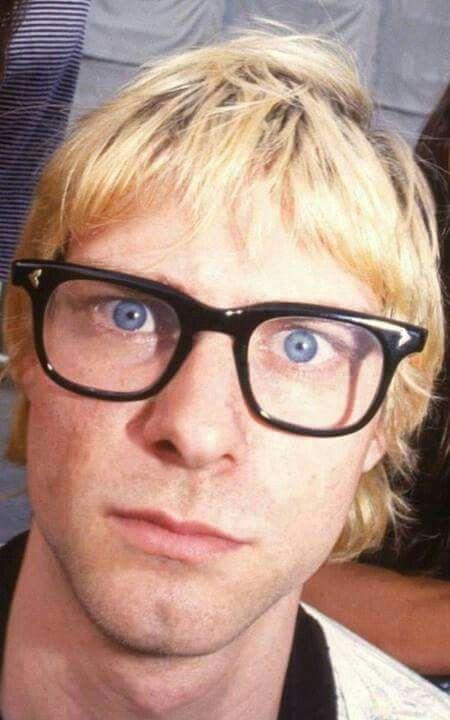 Those Glasses Bring Out His Eyes Even More Nirvana Kurt Cobain Nirvana Kurt And Courtney
