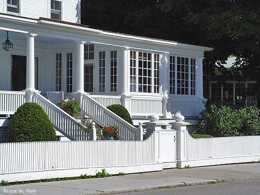 8164228aabc752c317bf5b4ab7baae84 Jpg 512 384 Enclosed Front Porches Porch Remodel Front Porch Remodel