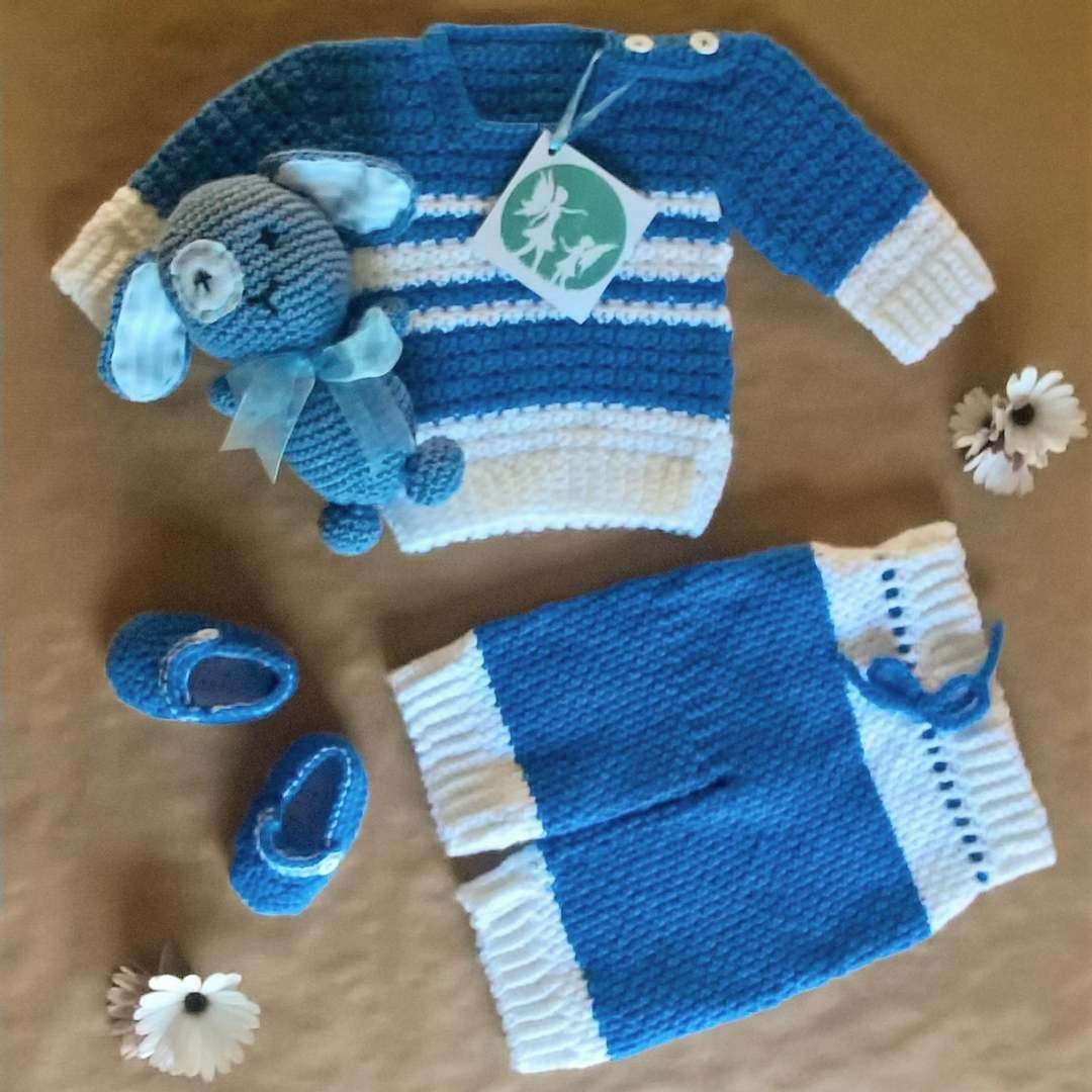 Handmade crochet newborn boy set! #handmade #crochet #newborn #clothes #boy #baby