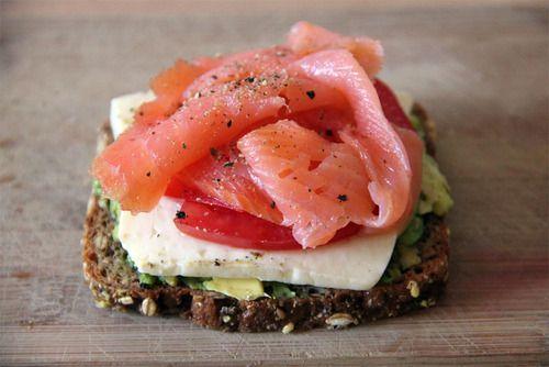 Grain bread, advocado, mozarella, tomato, salmon