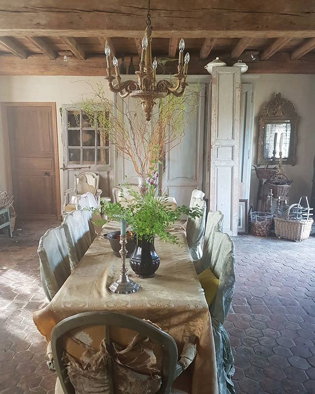 Sire Marly Siremarly Photos Et Videos Instagram Dining Table Rustic Dining Table Rustic Dining