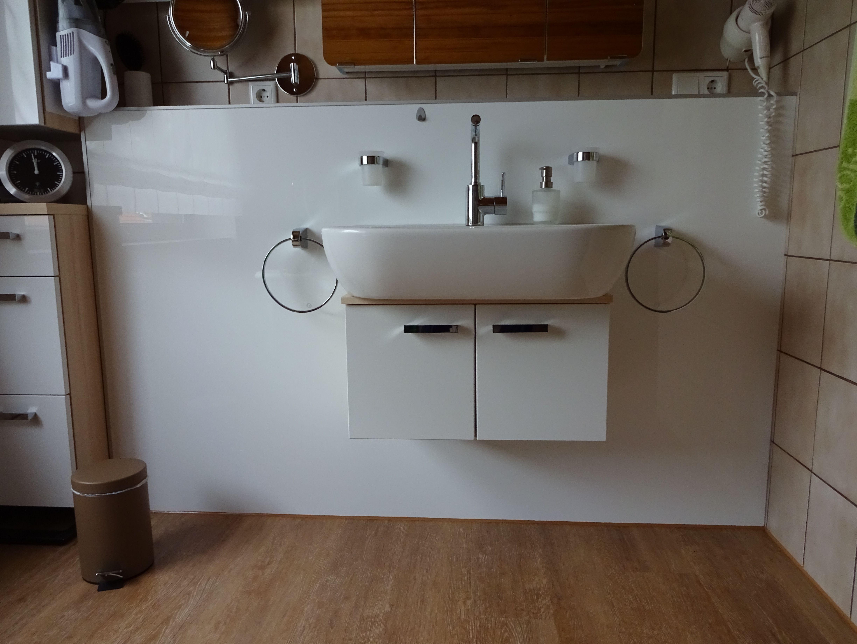 Badezimmer Spritzschutz aus Acrylglas  Acrylglas, Badezimmer