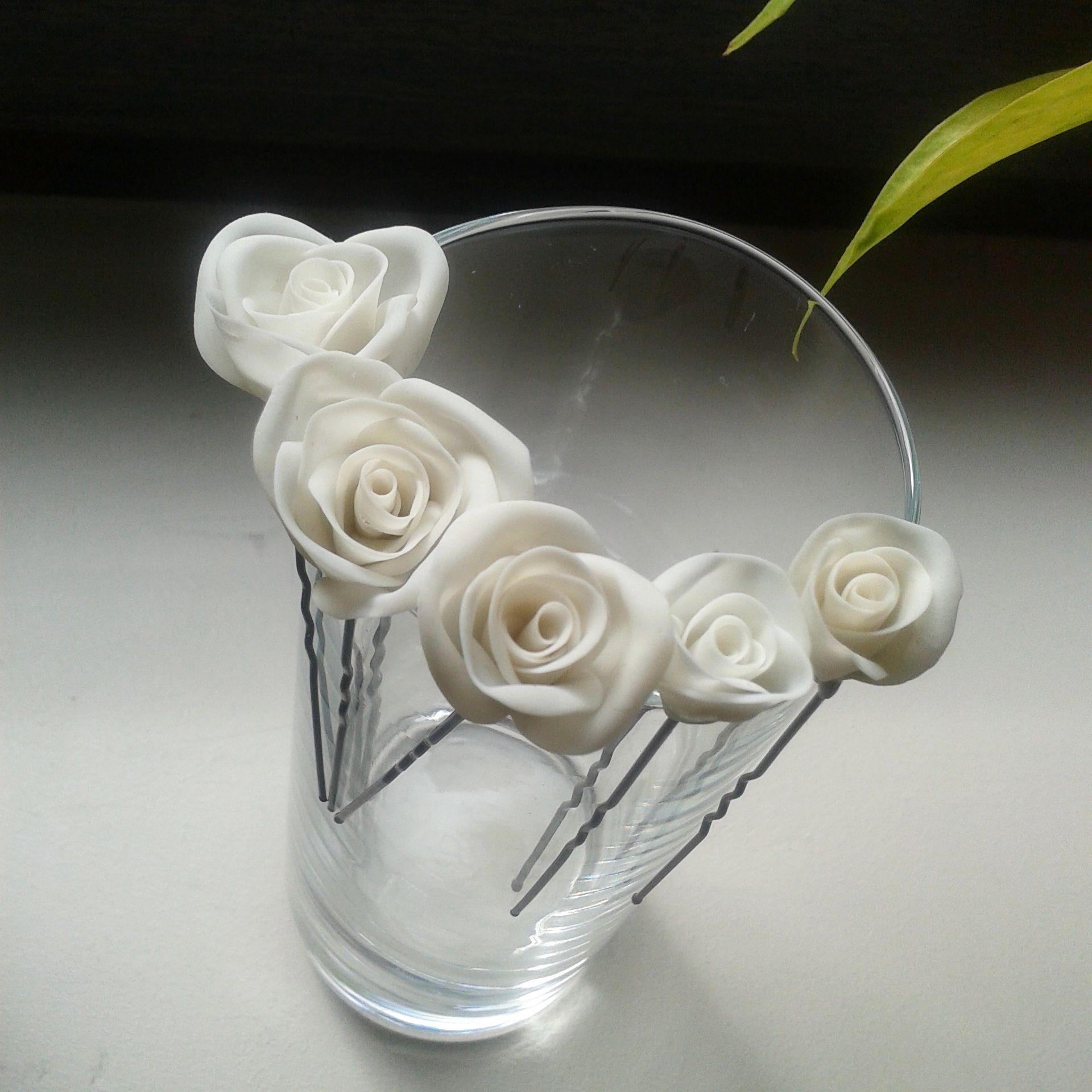 Шпильки с цветами из полимерной глины