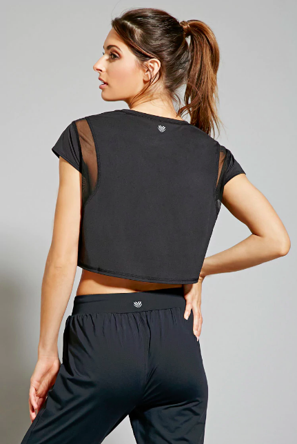8bfb2cf906e 23 Cheap Pieces Of Athletic Clothing You'll Want To Wear Out Of The ...