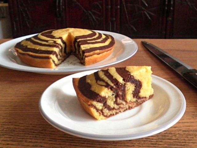 Eggless Marble Banana Cake @ treatntrick.blogs… #Banana #banana bread #banana …