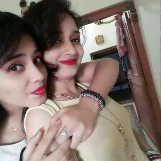 Pune girls friendship