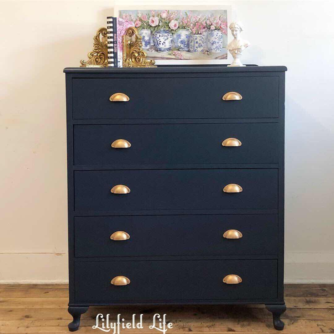 Beautiful Navy Fusion Mineral Paint Midnight Blue Drawers Blue Painted Furniture Navy Furniture Navy Blue Furniture