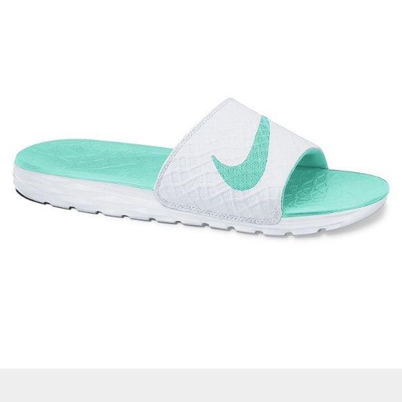 Nike mint green sliders | Nike slippers