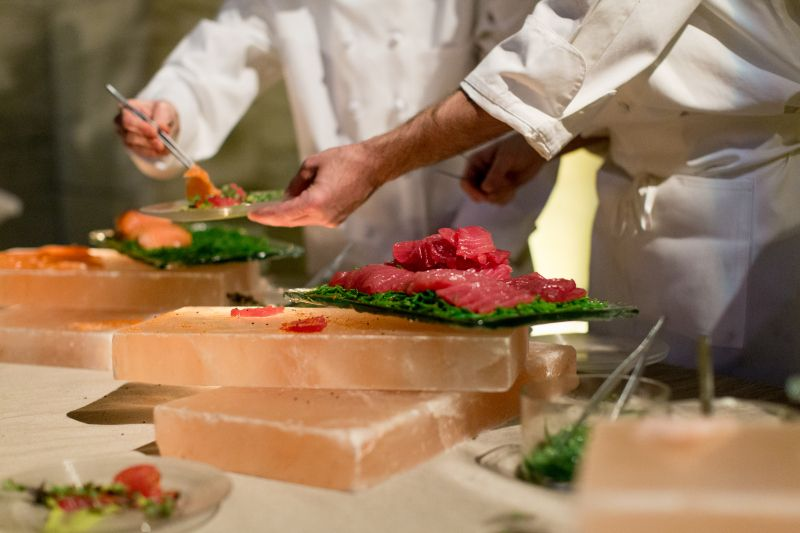 #inanyeventny Himalayan Salt Blocks cure sashimi in front of guests as a creative cocktail station #thenewsushibar
