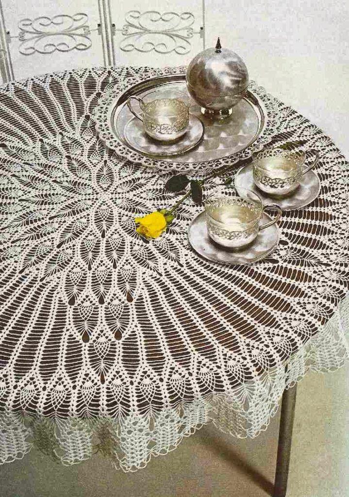 Un trabajo para expertas. Hermoso mantel redondo elaborado a crochet ...