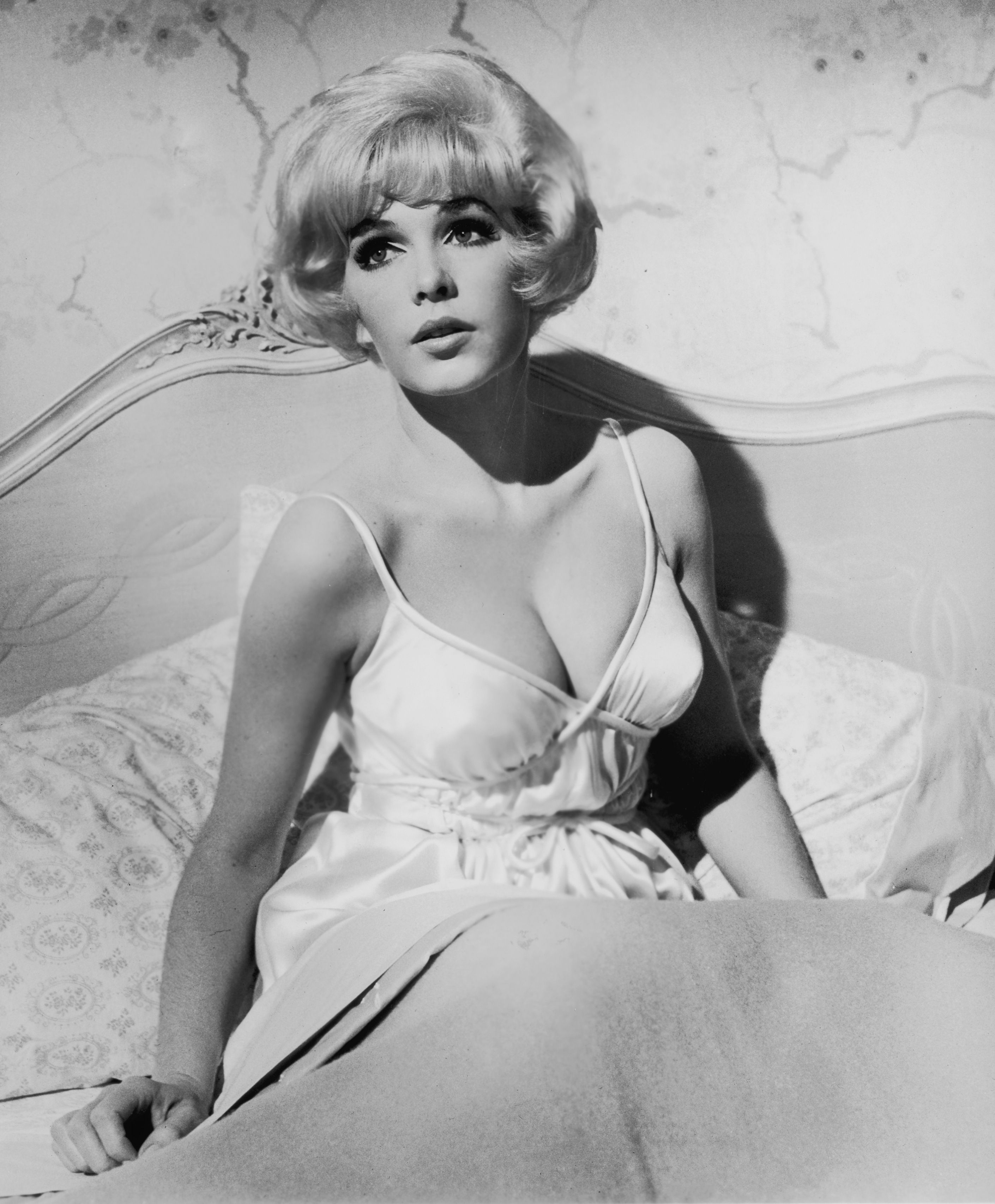 Celeb Vintage Naked Photo Gallery Pic